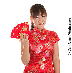 Chinese cheongsam girl showing red packets - Pretty Asian...