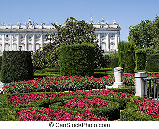 Royal palace of Madrid,spain,jardin,flores