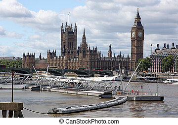 Big Ben and the House of Parliament, London, UK