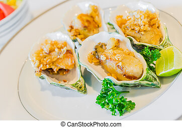 Oyster fried with garlic