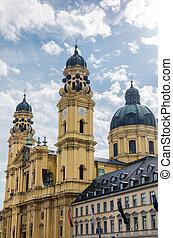 Theatinerkirche at odeonsplatz. Munich