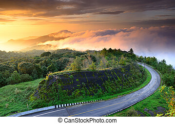 Sunrise at Doi Intanon National Park vIew point, Thailand -...