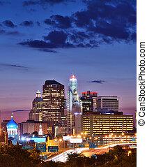 Hartford Connecticut Skyline - Skyline of downtown Hartford,...