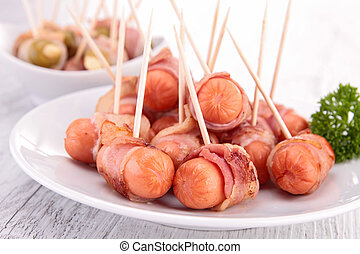 appetizer wrapped in bacon