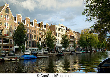 Traditional Amsterdam houses - Merchant houses along the...