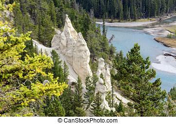 The Hoodoos in Banff National Park - The Hoodoos and the Bow...