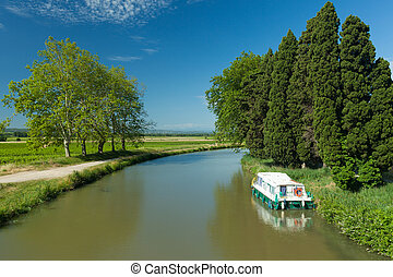 canal du midi - Old boat on the canal du midi, France