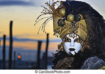 Costume at sunrise - Costume portrait at the Venice sunrise