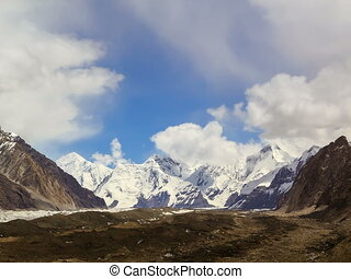 Clouds over glacier Inylchek Kirgystan, central Tien Shan...