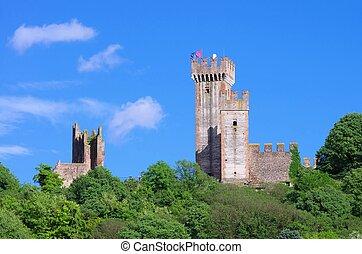 Borghetto castle