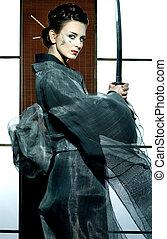 hermoso, japonés, kimono, mujer, samurai, espada