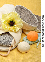 Natural bath sponges, bath slippers, pumice, bath bombs,...
