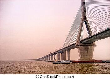 Donghai Bride in Zhejiang China - Long Donghai bridge in...