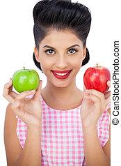 mulher, cabelo, pretas, maçãs, segurando, Feliz