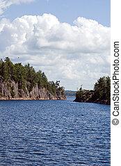 Strait - Shallow strait in Horon lake