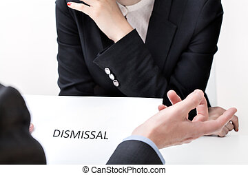 Job dismissal in the act of women discrimination