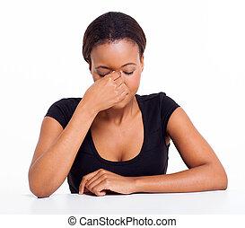 cansado, africano, executiva, tendo, dor de cabeça