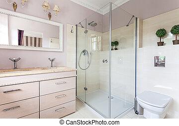 Vintage mansion - bathroom - Vintage mansion - a bright and...