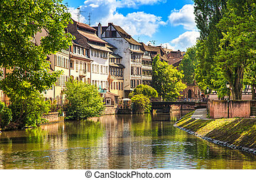 Strasbourg, water canal in Petite France area, Unesco site...