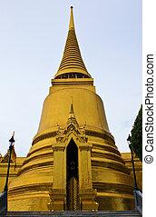 The main chedi at the Emerald Buddha Temple, Bangkok,...