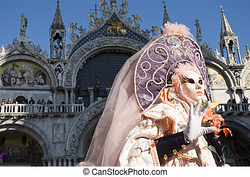 Venice Carnival Performers - Traditionally dressed Venice...