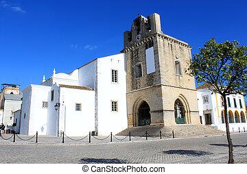Se church in Faro, Algarve, Portugal - Se church in the old...