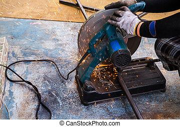 Metal cutting by cut off saw