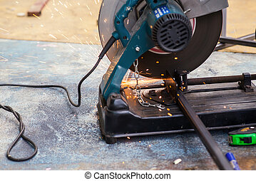 Metal cutting by cut off saw