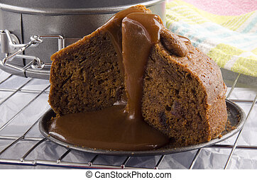 toffee pudding with caramel sauce