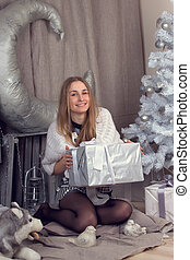 niña, rodeado, navidad, parafernalia