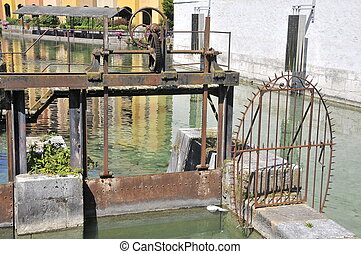 Sluice gate in Annecy