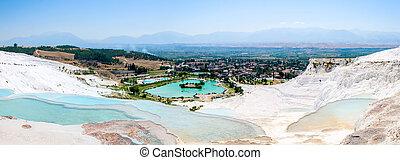 Turquoise water travertine pools at pamukkale - Closeup...