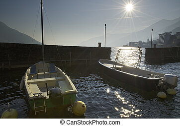 Port in backlight - Small port in backlight with sunbeam and...