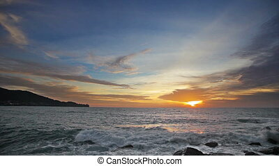 Sunset over restless tropical ocean - Video 1920x1080 -...