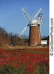 Horsey Windpump - Norfolk - England - Horsey Windpump on the...
