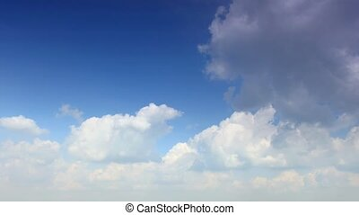 Running clouds (Time Lapse)