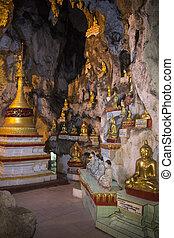 Buddha Images in Pindaya Cave - Pindaya - Myanmar - Buddha...