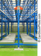 Dynamic storage shelving - Dynamic storage with conveyer...