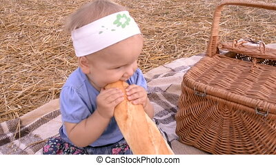 A small girl on picnic
