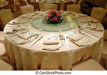 Wedding banquet table setting - Chinese wedding banquet...