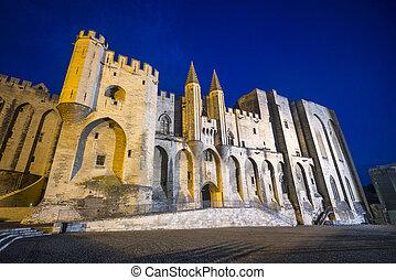 Avignon, Palais des Papes by night - Avignon (Vaucluse,...