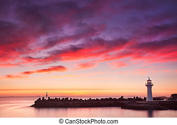 Wollongong lighthouse - Lighthouse at dawn