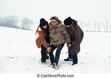acidente, pessoas, neve, ajudando,  Sênior, ele