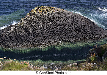 Basalt rock formation - Staffa - Scotland - Basalt rock...