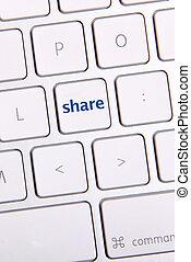 Social Media Key