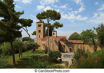 Monasterio de Sant Miquel. Poble Espanyol. Barcelona -...