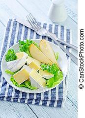 salada, pêras,  camembert