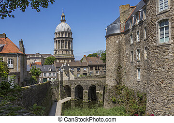 Boulogne - France - The Basilique Notre-Dame viewed from the...