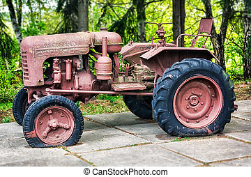 Old abandoned rusting soviet caterpillar tractor - Old...