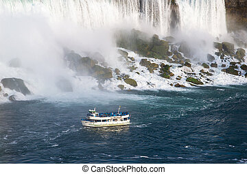 boats near the niagara's falls - The Maid of the Mist tour...